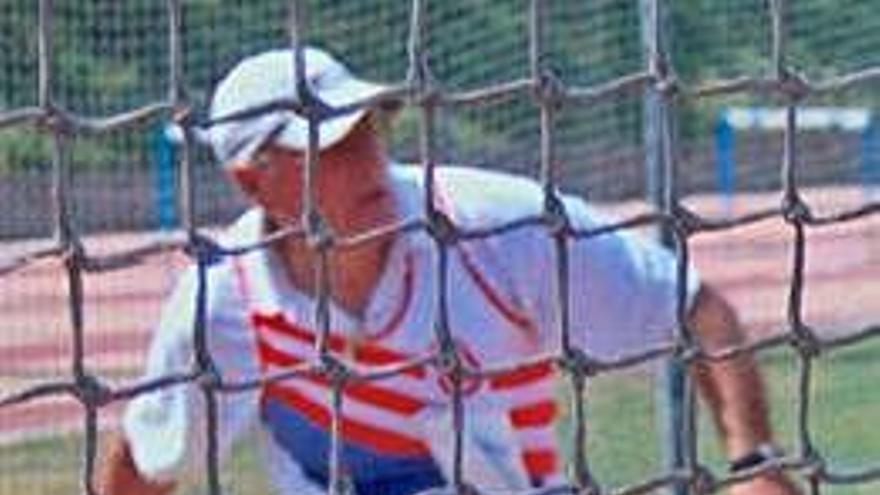 Raúl Sánchez Lasheras,  a punt dels 87 anys, no  vol abandonar les pistes