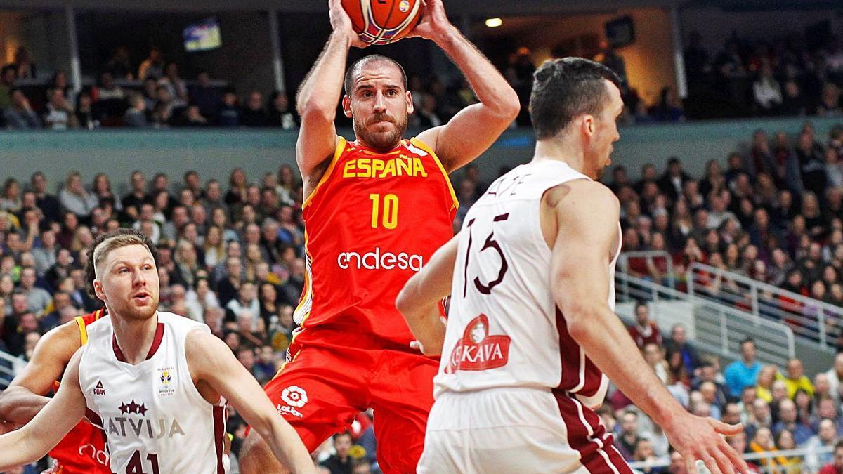Quino Colom, con España, durante el partido ante Letonia del Mundial 2019. | EFE/TOMS KALNINS