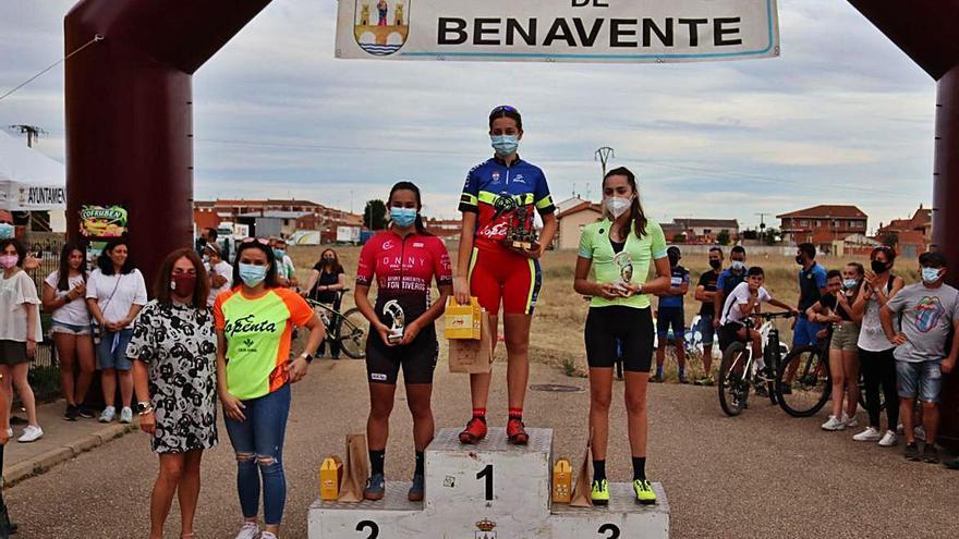 """Álvaro Lobato arrasa en el """"XX Trofeo La Veguilla"""" de ciclismo"""