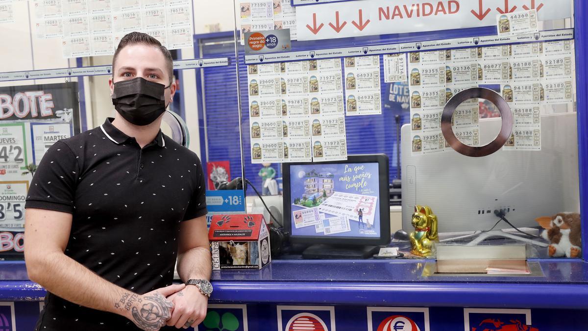 Samuel Posada, titular de la Administración de Lotería nº37 donde se vendió el décimo