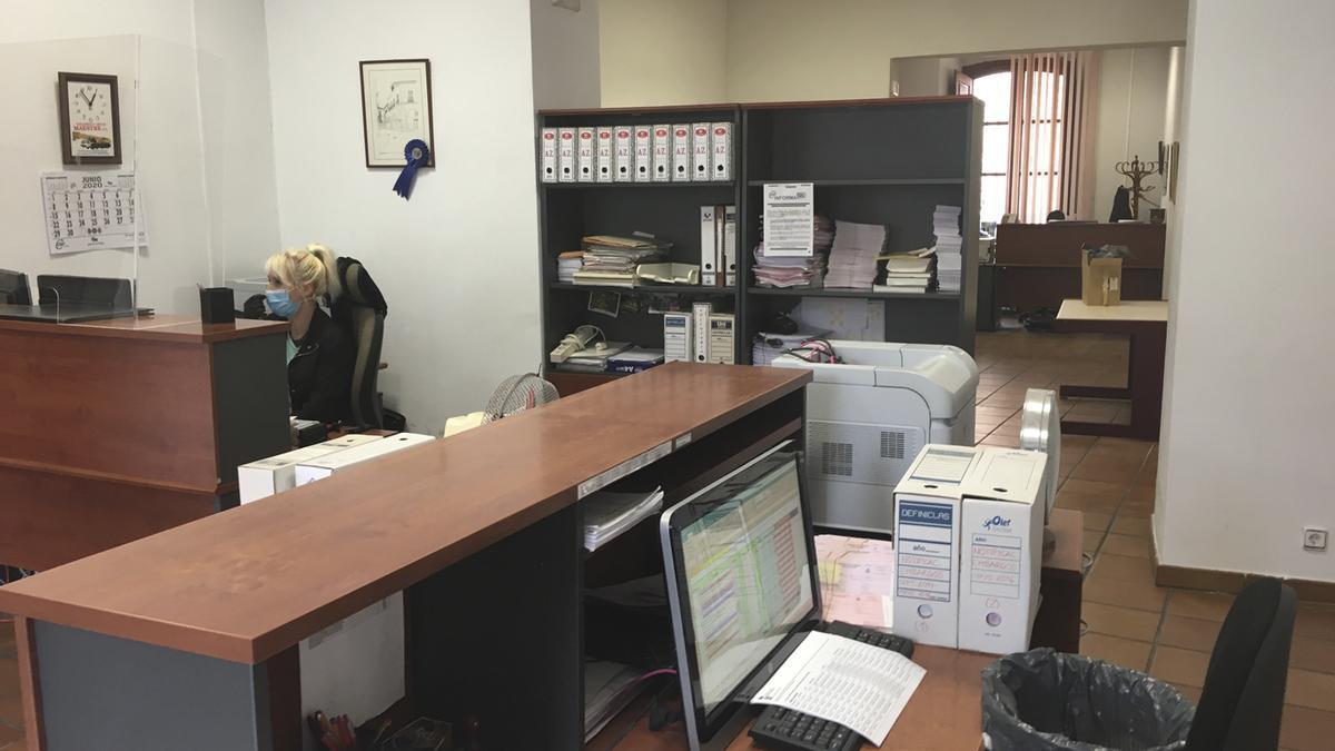 Servicio de Recaudación de la Casa Consistorial de la plaza del Grano en Benavente.