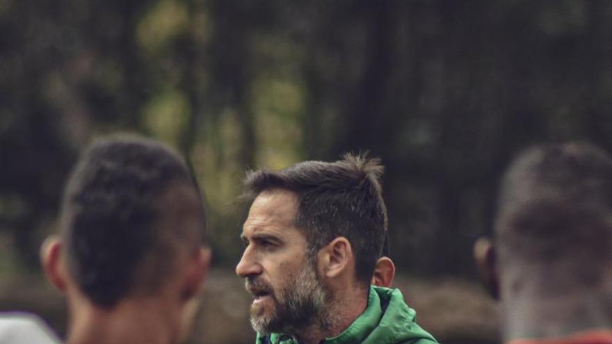 Abel Segovia deja de entrenar en Colombia