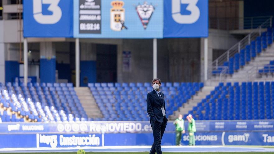EN DIRECTO: el Oviedo empata ante el Mirandés (1-1) en un partido con Arnau en el recuerdo
