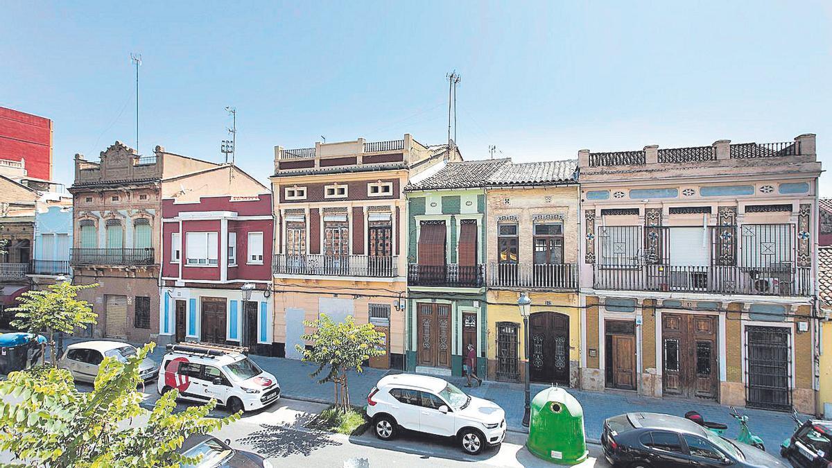 València confía levantar restricciones a deporte, mercados y terrazas