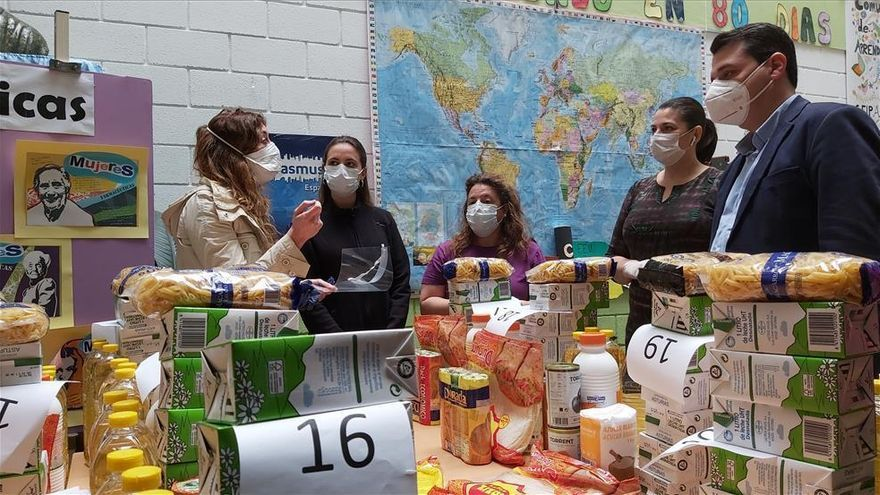 Coronavirus en Córdoba: casi 200 familias piden cada día alimentos en la red de reparto municipal