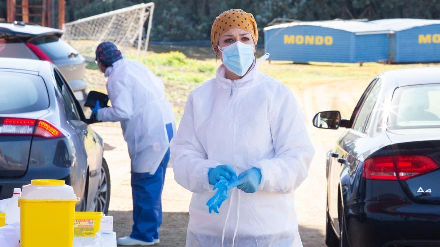 España suma 9.568 nuevos casos y 345 muertes en un día