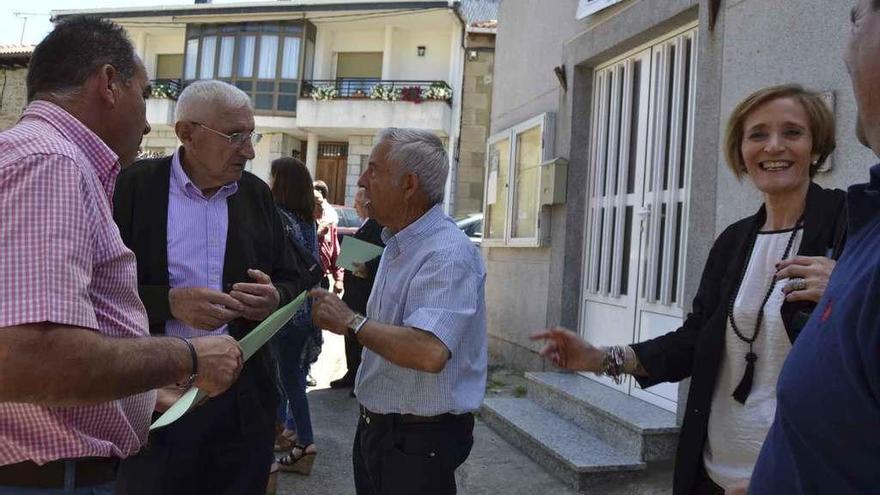 Alcaldes de municipios con embalses en una reunión en Mombuey.