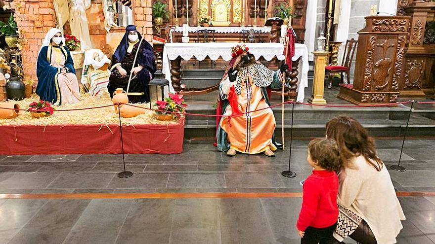 Sus Majestades cumplen  con El Rosario y Tegueste