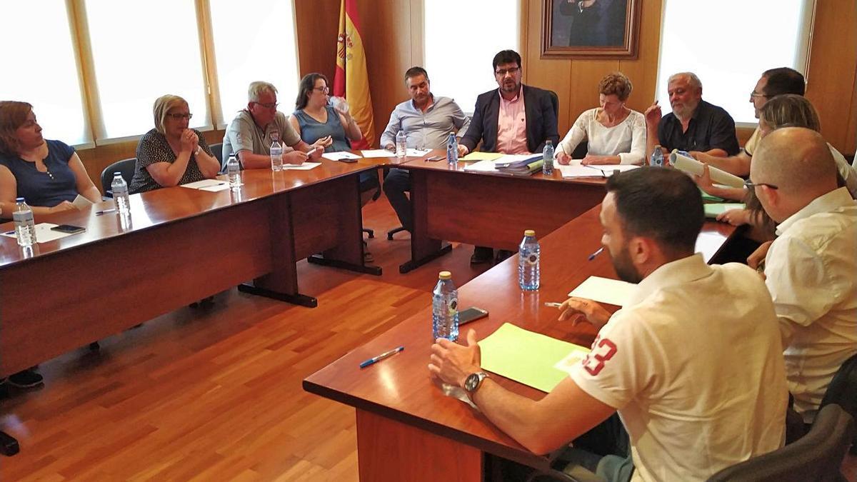 """Carlos Viéitez y su grupo municipal se pasan a los """"no adscritos"""".     // IÑAKI ABELLA"""