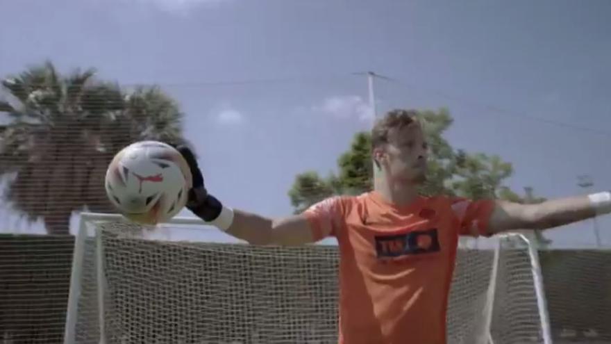 """El fútbol y el básquet valencianos animan a los jóvenes a vacunarse: """"Cuando nos unimos, ganamos"""""""