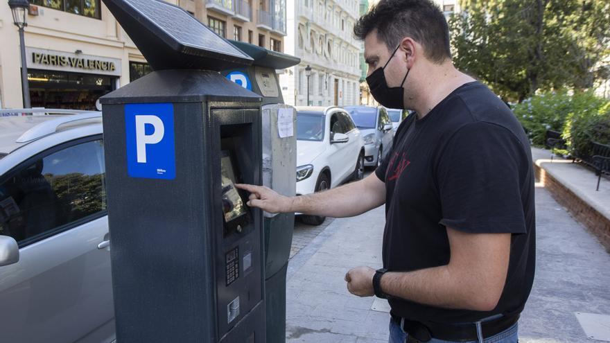 Nuevo horario de la zona azul en València: las horas en las que hay que pagar
