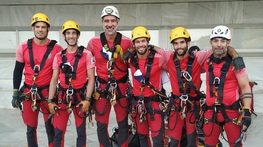 Los bomberos de Málaga se alzan con la victoria en una competición internacional de rescate en altura