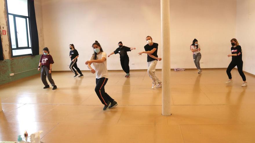 Un projecte europeu busca joves ballarins a Salt per espectacles de dansa