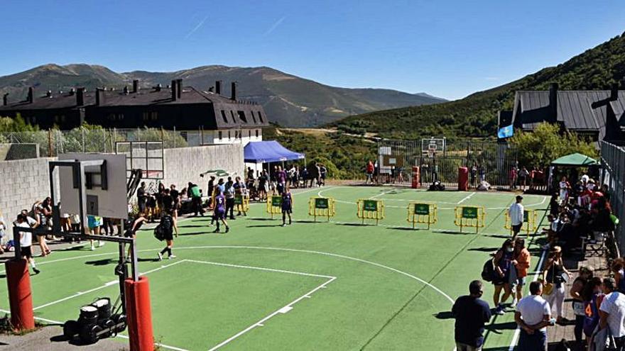 Más de 8.000 visitantes utilizaron el remonte de Pajares este verano