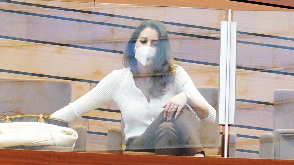 La procuradora María Montero, durante el debate de la moción de censura en las Cortes.