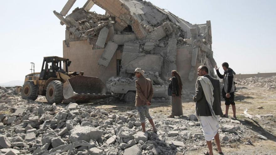 Decenas de muertos en un bombardeo saudí en Yemen