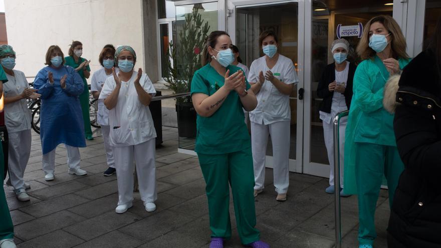 Minuto de silencio en homenaje a Felisa Gallego, auxiliar de enfermería fallecida por coronavirus
