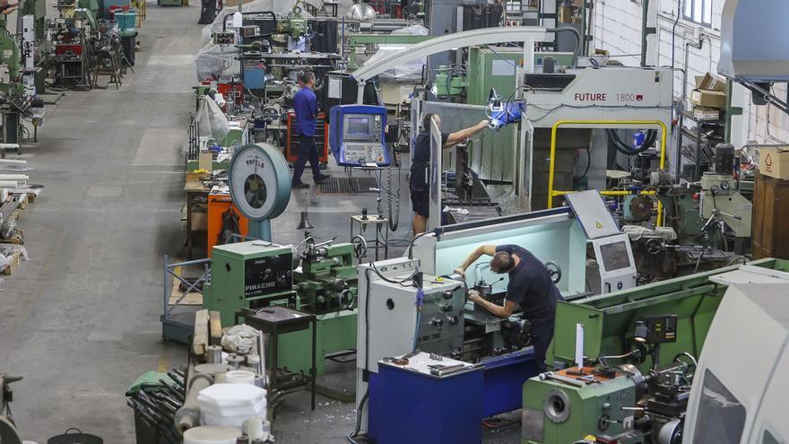 La industria lastra la recuperación en Alicante: 48.800 empleos menos que antes del covid