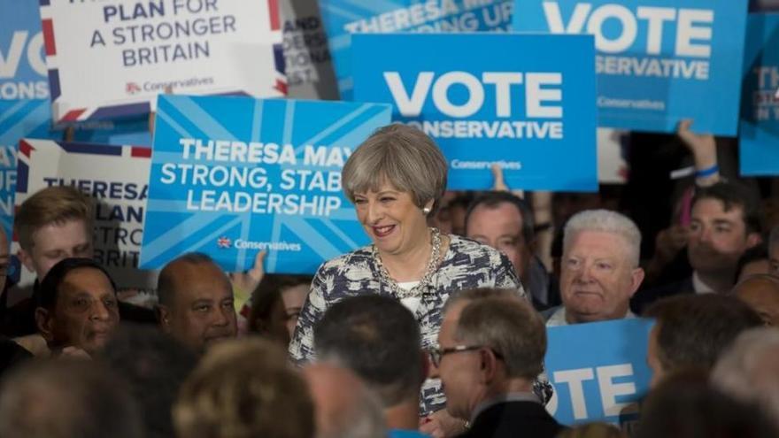 El Reino Unido va a las urnas con el trauma de los atentados y el desafío del 'brexit'