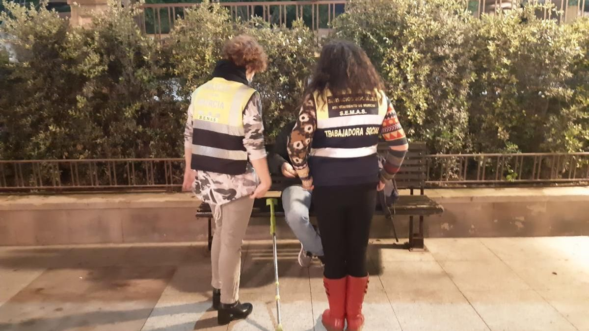 Atendidas en Murcia 31 personas sin hogar desde el inicio de la 'Operación Frío'
