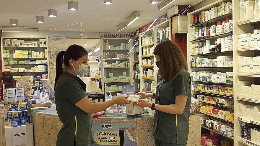 L'alta demanda de tests d'antígens a les farmàcies alenteix el subministrament