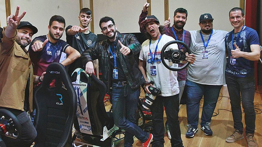 'Influencers' de Twitch, Tik Tok y deportes electrónicos 'desvirtualizan' Ourense