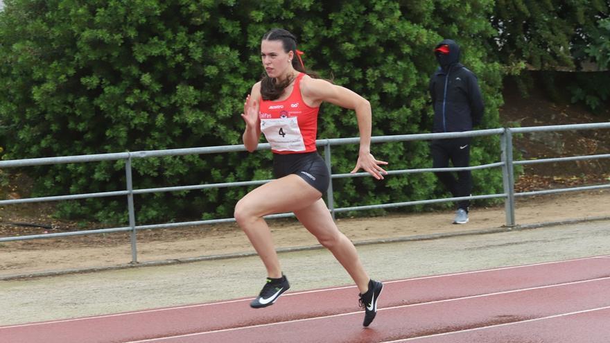Carmen Avilés logra su mejor marca del año en el 400 lisos