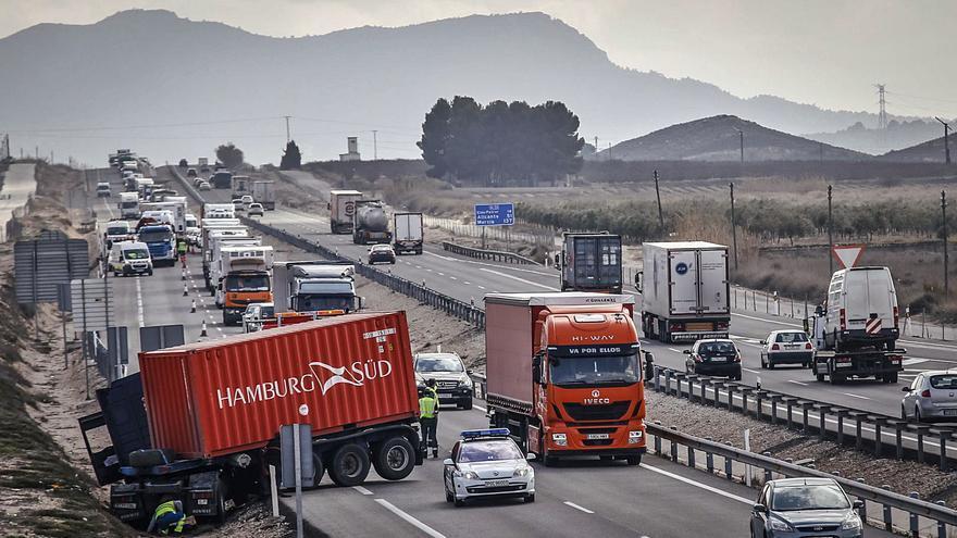 Elda busca fondos de la UE para mejorar la autovía A-31 tras décadas de abandono