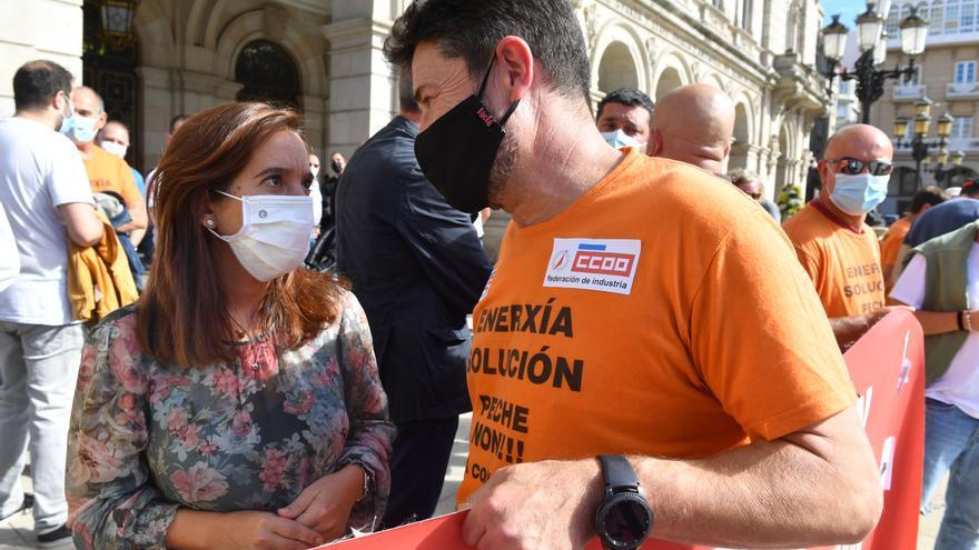 Nueva protesta de la plantilla de Alu Ibérica, sin cobrar y a la espera de ERTE
