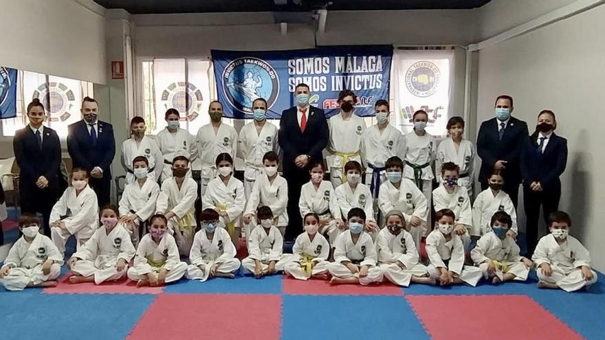 29 integrantes del Club Invictus se examinan para elevar el nivel del Taekwondo en Málaga