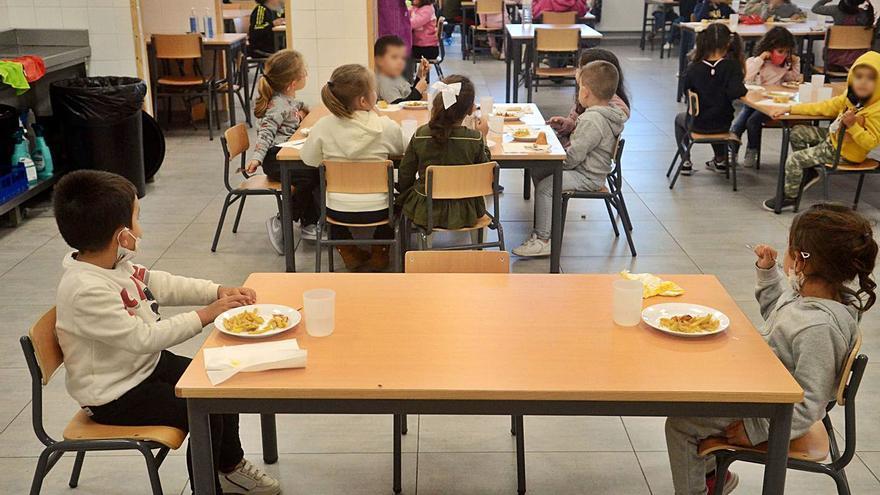Los comedores escolares de Vilagarcía sufren una caída de demanda por el Covid