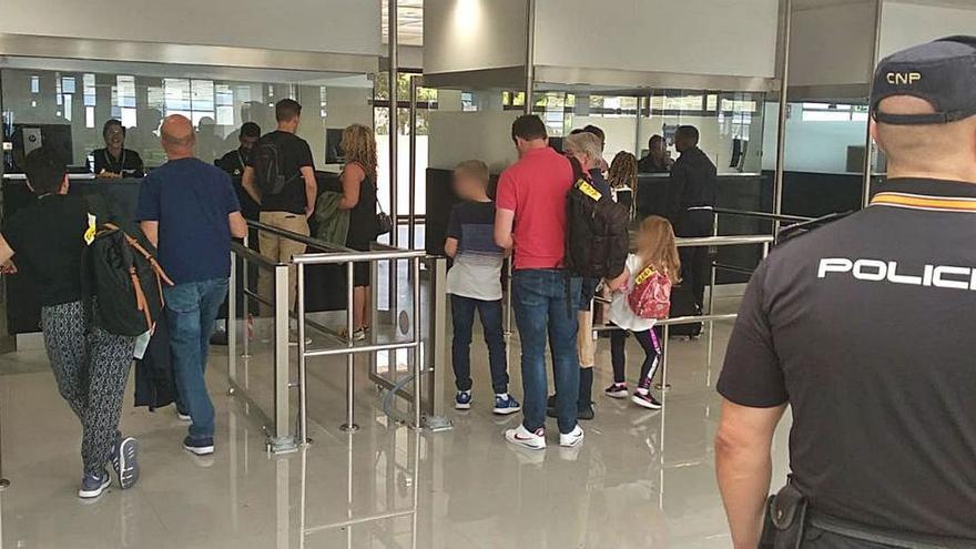 Tres detenidos en Palma por vender documentos para entrar en España de forma ilegal