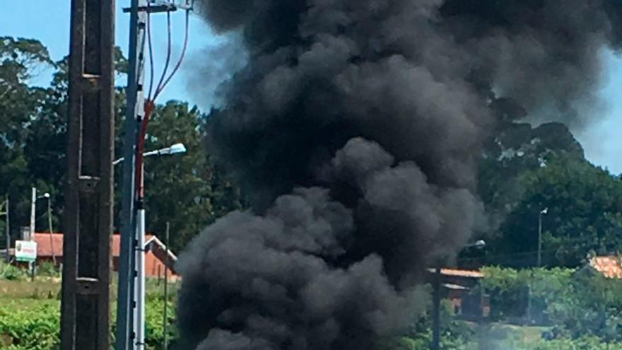 Accidente en Vilalonga con espectacular incendio.