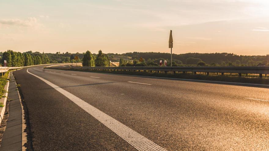 El cambio climático también afecta a las carreteras y a las vías del tren