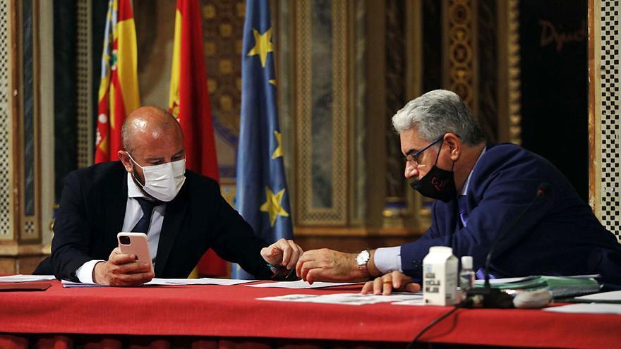 El secretario niega irregularidades con los asesores ante el juez de Alquería