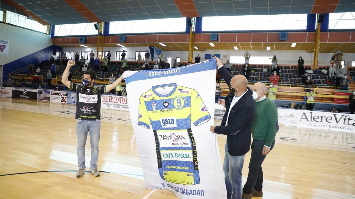 GALERÍA | Octavio Magadán ya es eterno en Zamora: el homenaje en imágenes