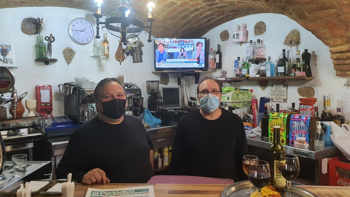 Los propietarios del local de Arroyomolinos.