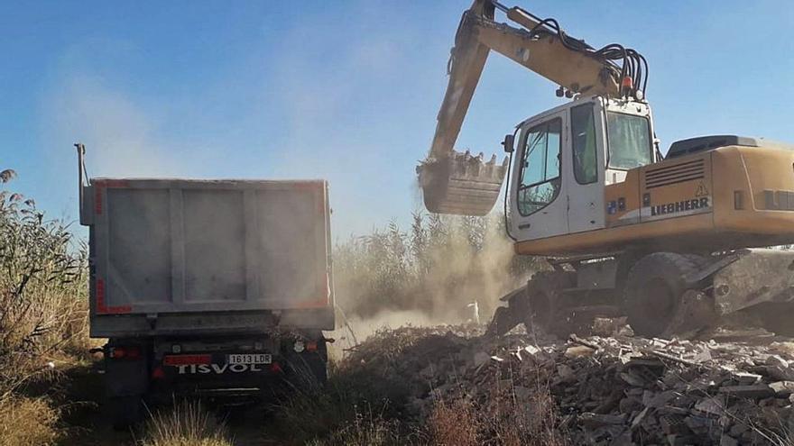 Retiran 1.600 toneladas de vertidos ilegales de l'Albufera