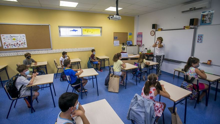 Sanitat suavitza el confinament de xiquets de les aules bambolla