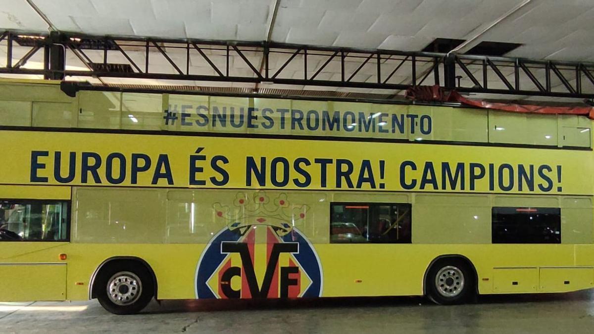 Imagen del autobús con el que recorrerán los campeones las calles de Vila-real.