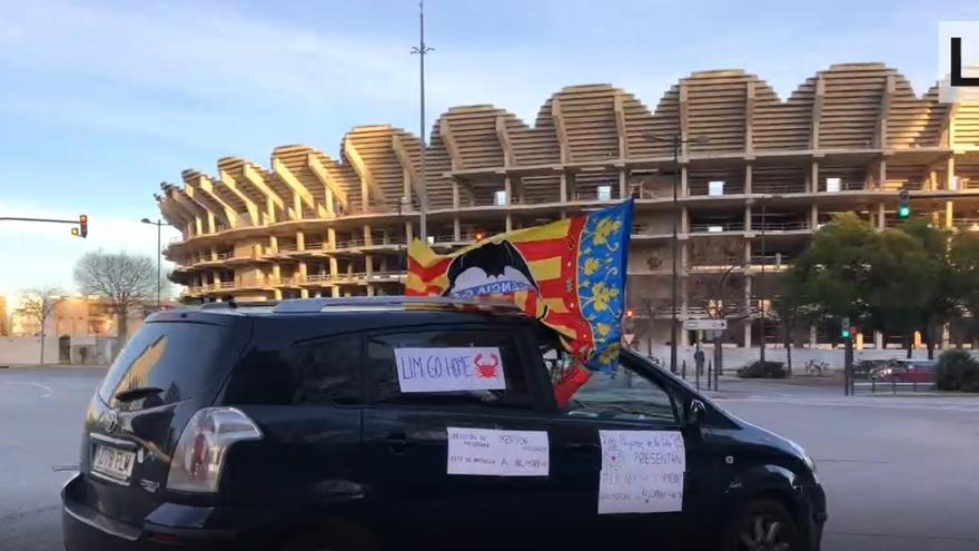 València clama en caravana contra Lim