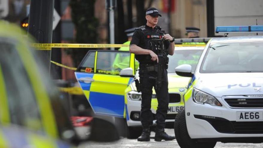 Un presunto terrorista hiere a 5 personas en un centro comercial de Manchester