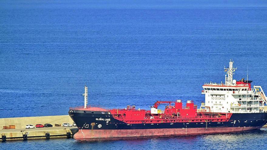 Fallecen tres tripulantes al reparar un buque en Cartagena por inhalar gases