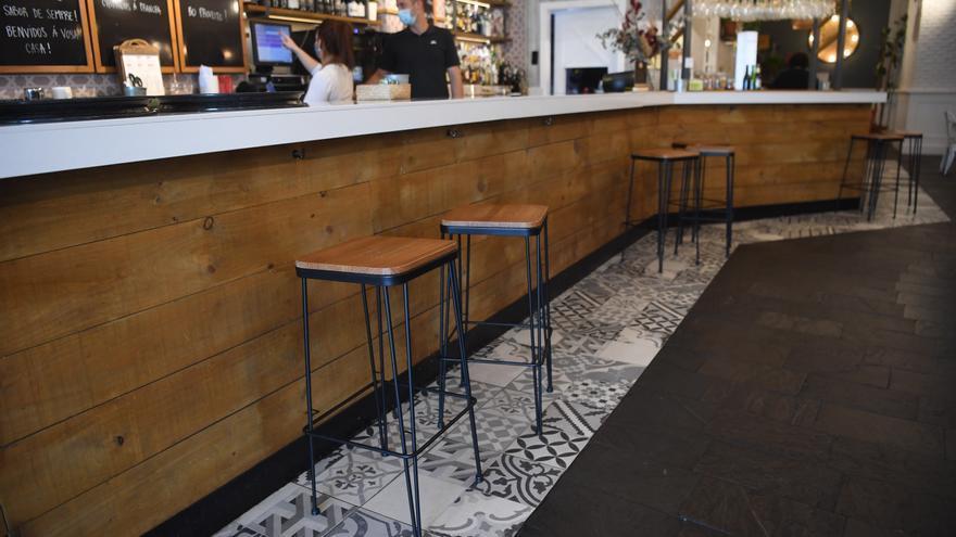 """Las barras de los bares en Galicia reabrirán """"con condiciones"""""""
