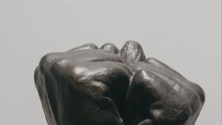 Esculturas Inglés homenajea a la sociedad que cumplió con el confinamiento