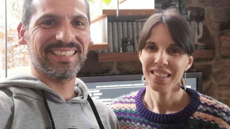 La pareja de Cangas que intentaba regresar de Tailandia ya está en casa