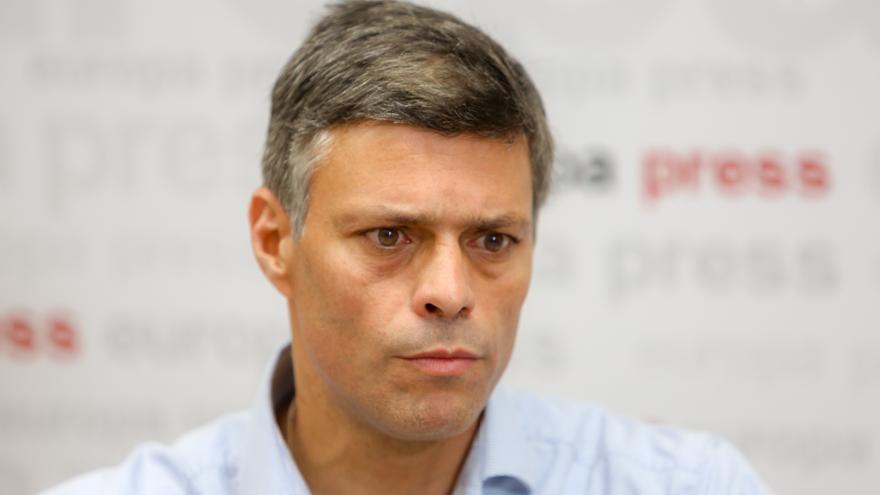 """Leopoldo López se pone """"a disposición de la justicia"""" española"""