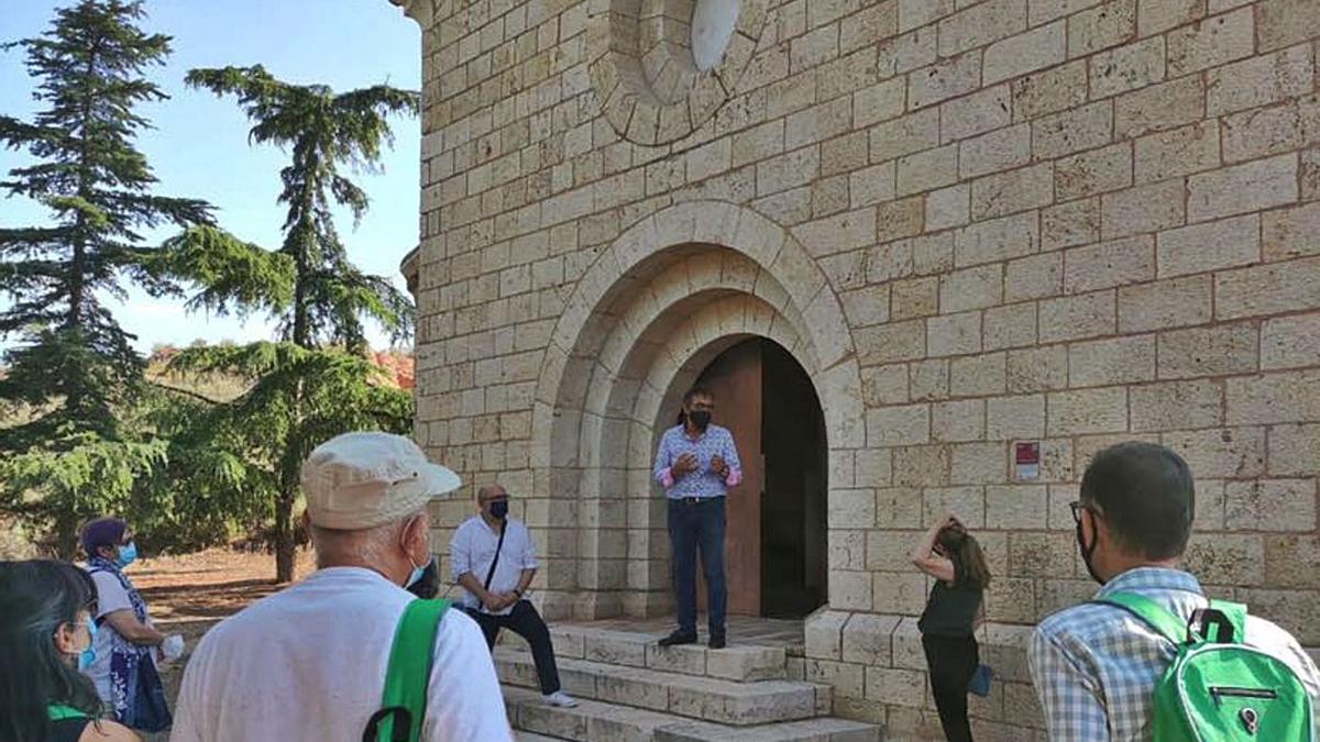 Visita a la Ermita de Cabañas de La Almunia el 12 de julio, en la que se habló del génesis del arte mudéjar. | SERVICIO ESPECIAL