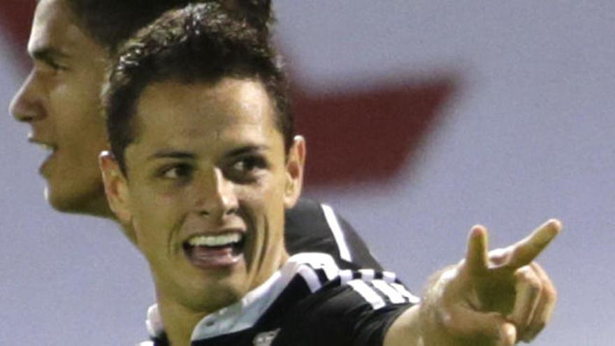 Javier 'Chicharito' Hernández está sobre la mesa del Valencia