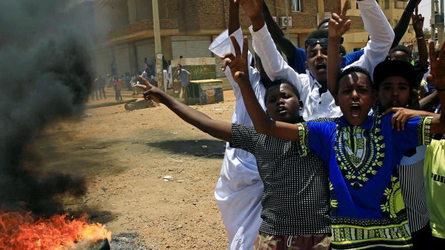 Suben a 101 los muertos por la represión violenta en Sudán
